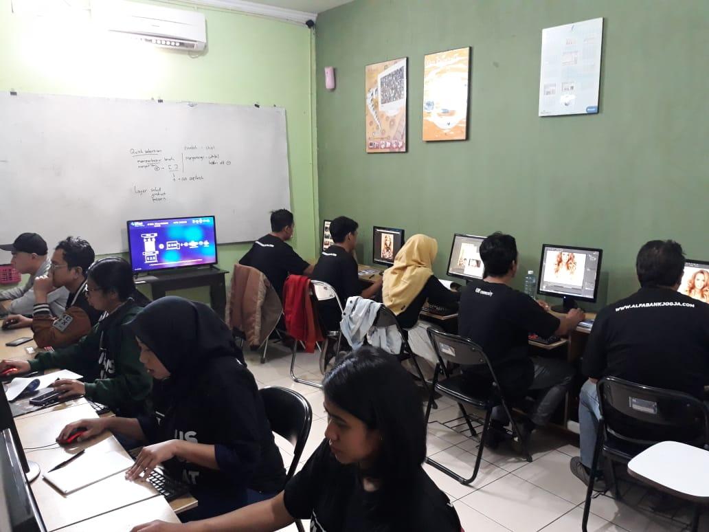 Pelatihan Komputer Desain Grafis Dan Website 1