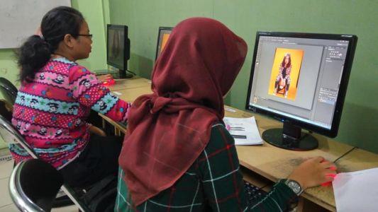 Pelatihan Photoshop Komputer Grafis Alfabank Yogyakarta Dinas Koperasi UKM Nakertrans Jogja 10