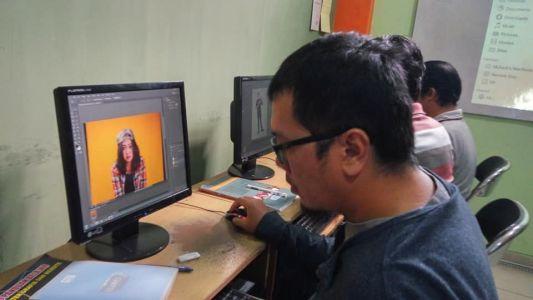 Pelatihan Photoshop Komputer Grafis Alfabank Yogyakarta Dinas Koperasi UKM Nakertrans Jogja 5