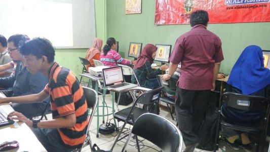 Pelatihan Photoshop Komputer Grafis Alfabank Yogyakarta Dinas Koperasi UKM Nakertrans Jogja 6