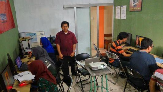 Pelatihan Photoshop Komputer Grafis Alfabank Yogyakarta Dinas Koperasi UKM Nakertrans Jogja 8