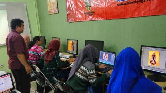 Pelatihan Photoshop Komputer Grafis Alfabank Yogyakarta Dinas Koperasi UKM Nakertrans Jogja 9