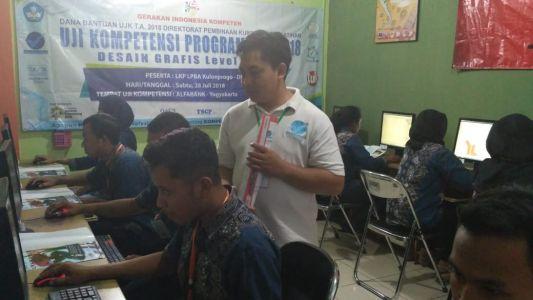 Uji Kompetensi TIK Desain Grafis Di TUK Alfabank Yogyakarta 2018 A