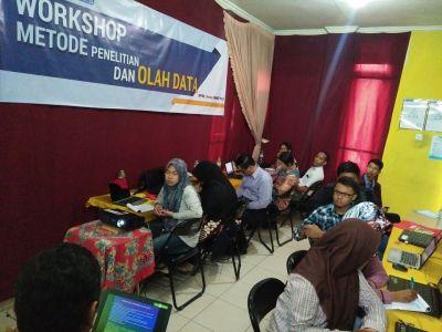 Workshop Olah Data SPSS, AMOS, SMART PLS Alfabank Yogyakarta 3