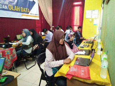 Workshop Olah Data SPSS, AMOS, SMART PLS Alfabank Yogyakarta 5