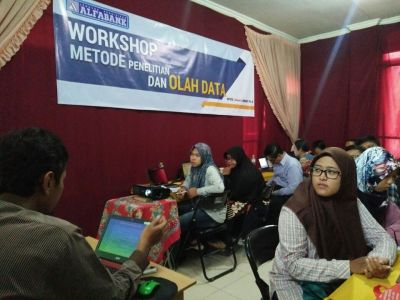 Workshop Olah Data SPSS, AMOS, SMART PLS Alfabank Yogyakarta 6