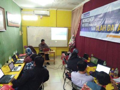 Workshop Olah Data SPSS, AMOS, SMART PLS Alfabank Yogyakarta 7