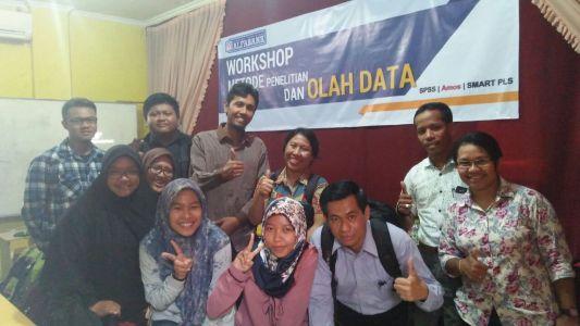 Workshop Olah Data SPSS, AMOS, SMART PLS Alfabank Yogyakarta 8