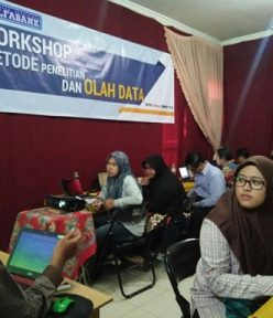 Workshop Olah Data SPSS, AMOS, SMART PLS