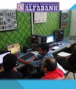 Pelatihan Teknisi Komputer Jaringan Mahasiswa Universitas Muhammadiyah Maluku Utara