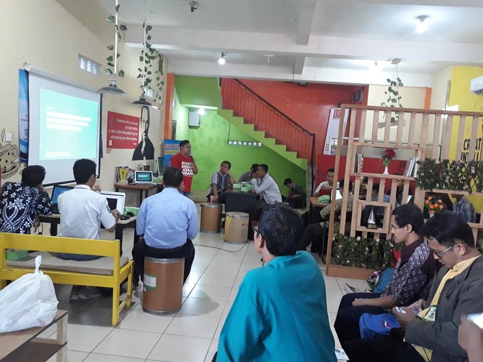 Pengembangan Santri Mandiri Workshop Digital Marketing