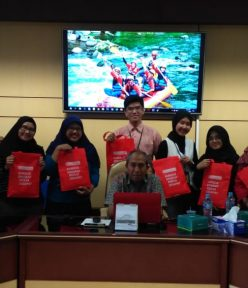 Workshop Microsoft Office Bersama Staf FISIPOL UGM