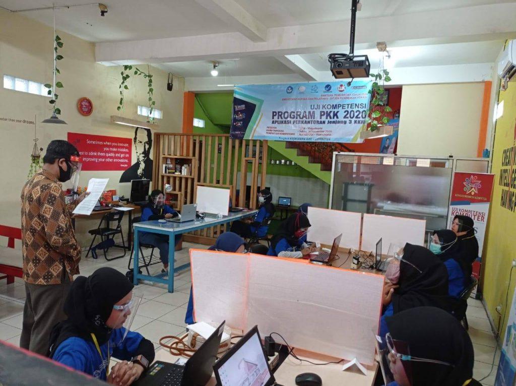 Uji Kompetensi Program PKK di TUK Alfabank Yogyakarta